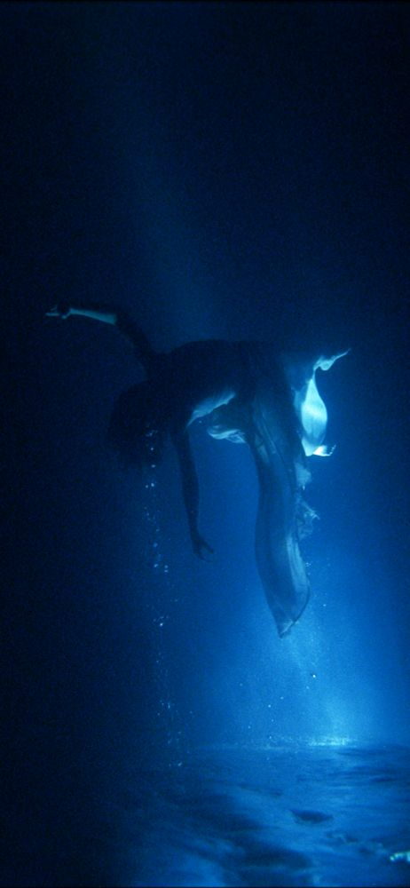 Bill Viola, Isolde's Ascension (The Shape of Light in the Space after Death)