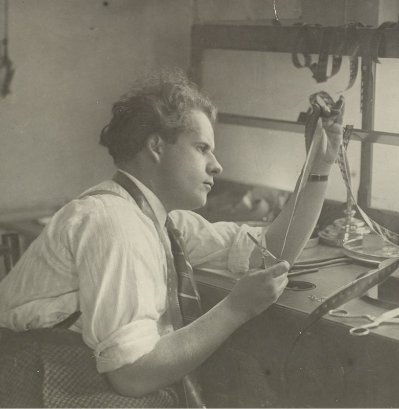 Eisenstein montant Octobre, 1927. © Russian State Archive of Literature and Art